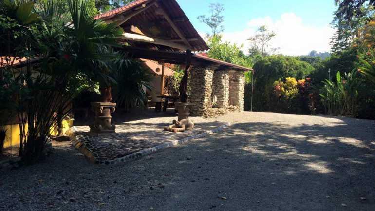 Atlantida Lodge
